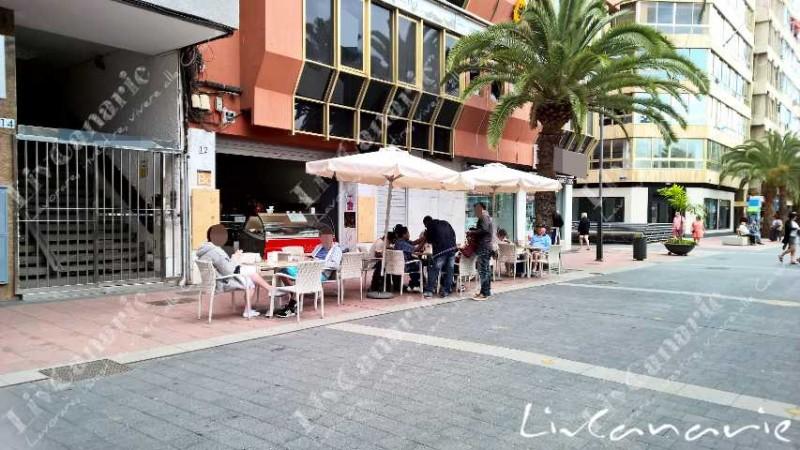 Cedesi BAR IN ECCEZIONALE POSIZIONE a LAS PALMAS di Gran Canaria.